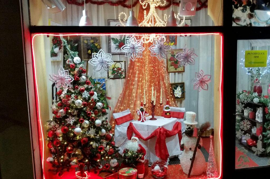 Negozio di addobbi e decorazioni natalizie a venezia for Addobbi natalizi per porte